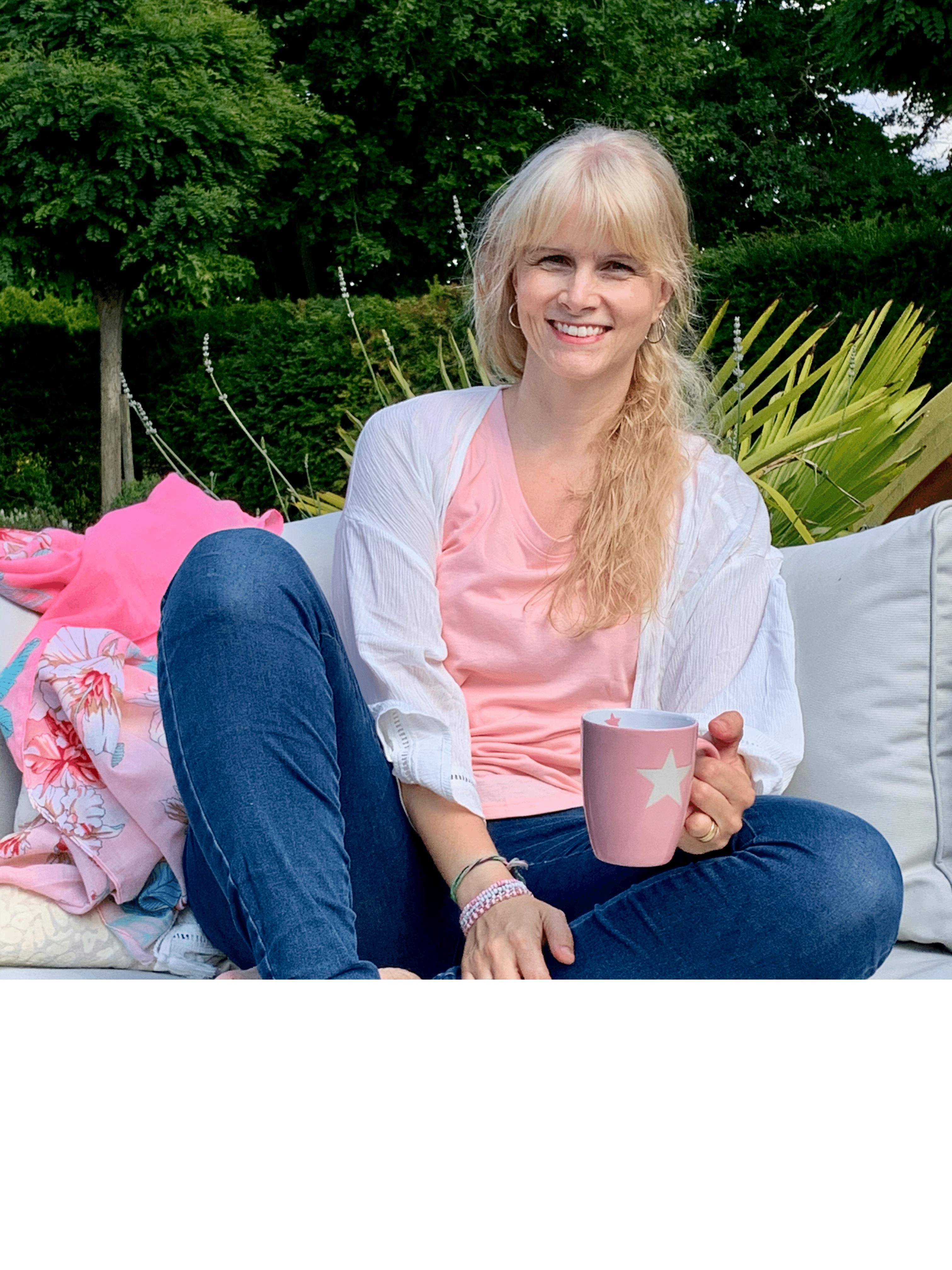 anja möwes, chill momentrepreneur, online business starten, selbständig mit kind, selbständig als mama, vereinbarkeitt